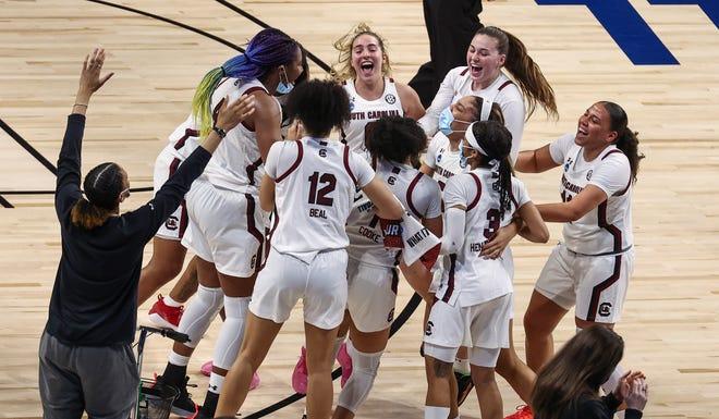 South Carolina routs Texas 62-34 to reach women's Final Four